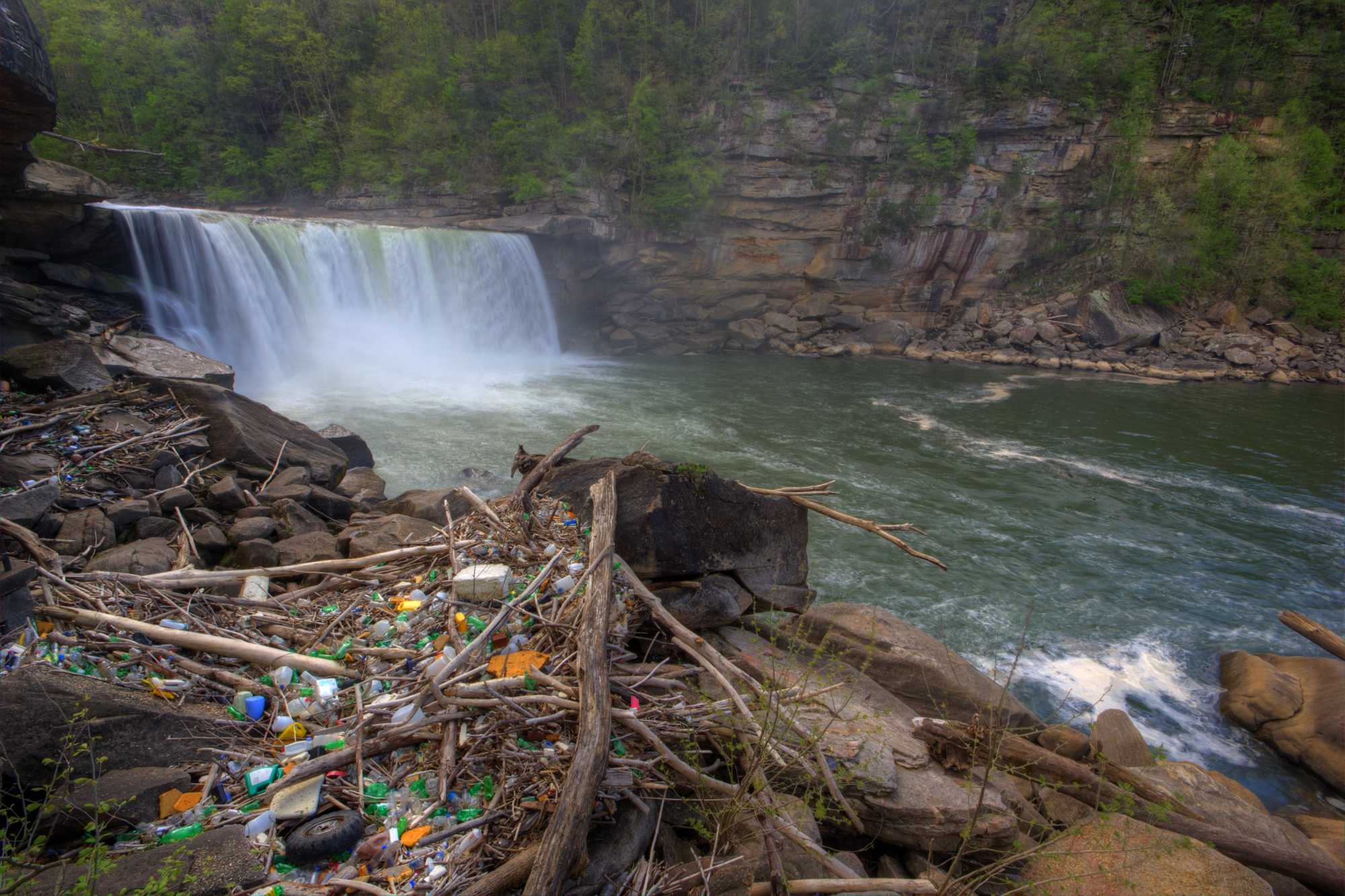 Pollution of Cumberland Falls