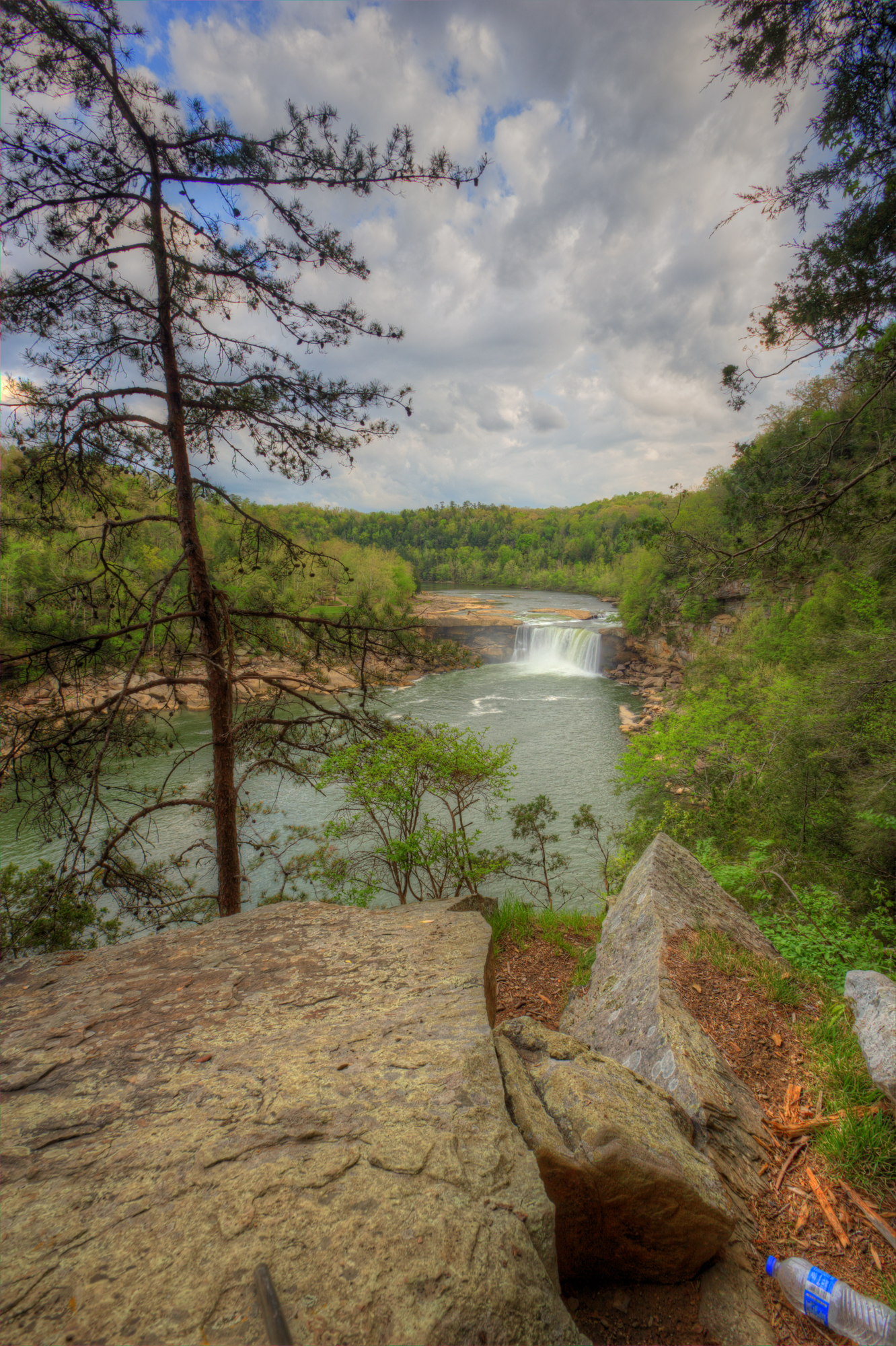 Cumberland Falls via Eagle Falls Trail